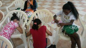Crianças realizam atividades na Semana Santa