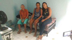 Da esq. p/ dir.: sr. Paulo Bertholdo, sua irmão Neuza Bertholdo e sua sobrinha Priscila Bertholdo